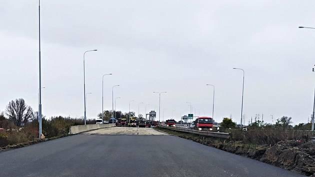Dálnice D1 vOstravě bude od pondělí 16. listopadu plně průjezdná. Končí přibližně měsíční oprava povrchu mezi km 356,9 – 357,2.