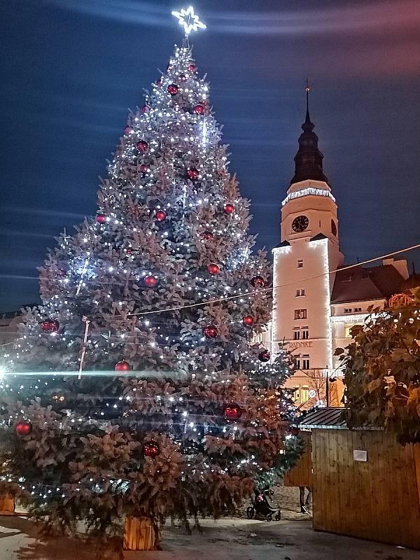 Vánoční výzdoba v Opavě.