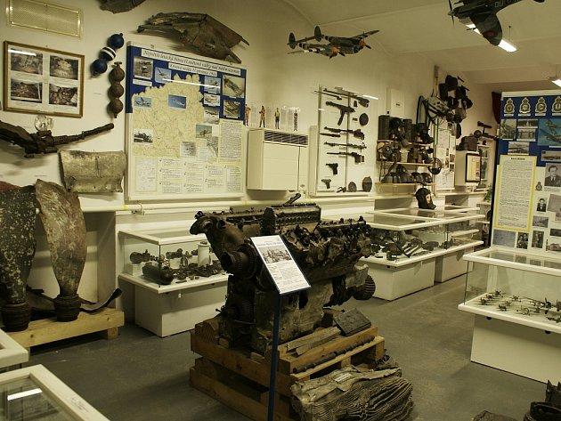 Muzeum vSuchdolu nad Odrou má ve svých sbírkách motor německé stíhačky Messerschmitt 109, jejííž trosky byly vykopány uobce Hynčice na Novojičínsku.