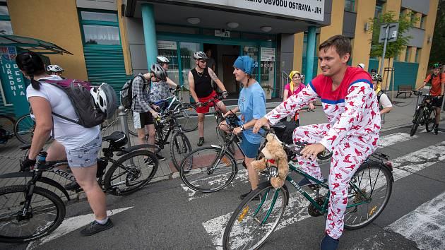Pyžamová cyklojízda Ostravou.
