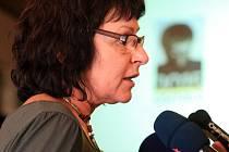 Komisaři, kteří ve středu rozhodnou o vítězi klání Evropské hlavní město kultury 2015, při úterní návštěvě Ostravy.