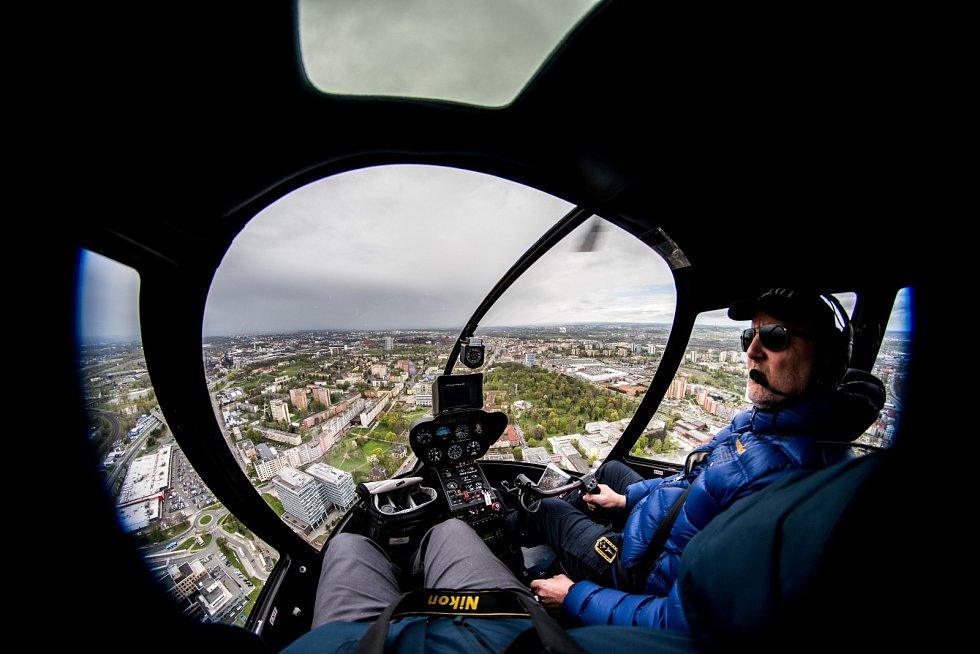 Vyhlídkový let vrtulníkem nad Ostravou.