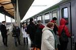 Na bezpečnost na nádražích budou vedle policistů dohlížet i najaté bezpečnostnhí agentury.
