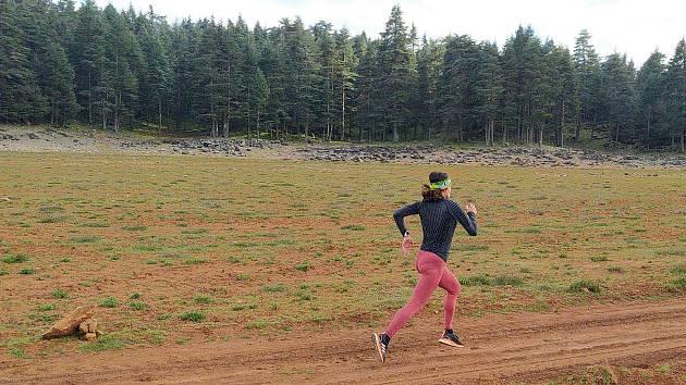 Treninkový pobyt v severoafrické zemi se české atletce kvůli čínské nákaze protahuje.