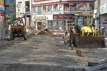Ulice 28. října. V takovém stavu se nacházela v úterý 1. září.