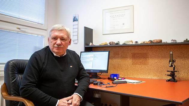 Lékař Libor Chvíla při rozhovoru pro Deník.