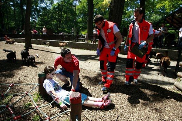 Vyzkoušet své reakce, znalosti a ověřit správné postupy přijeli do Ostravy studenti oboru Zdravotnický záchranář zČeské a Slovenské republiky.
