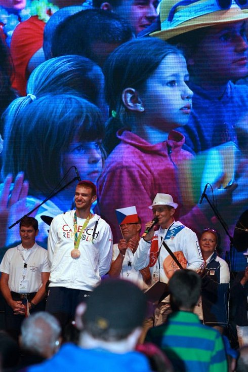 Bronzový medailista Ondřej Synek navštívil olympijský park v Ostravě.