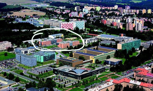 Nová budova ekonomické fakulty bude stát vuniverzitním kampusu vtěchto místech.