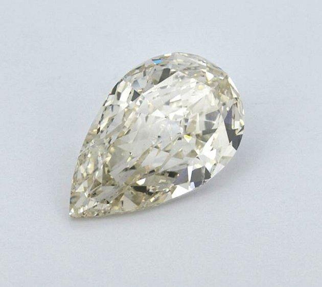 Tento diamant, patřící falešnému šlechtici, se vaukci prodal za 1,3milionu korun!