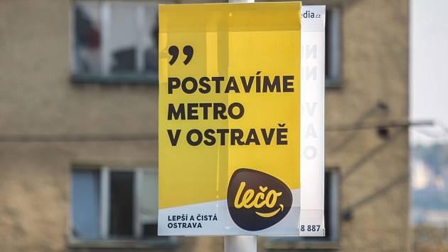 Volební plakát v ostravských ulicích.