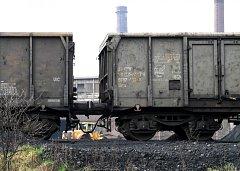 Zásoby suroviny skladuje ArcelorMittal v souladu se stavebním povolením, které ale nespecifikuje ukládané množství.