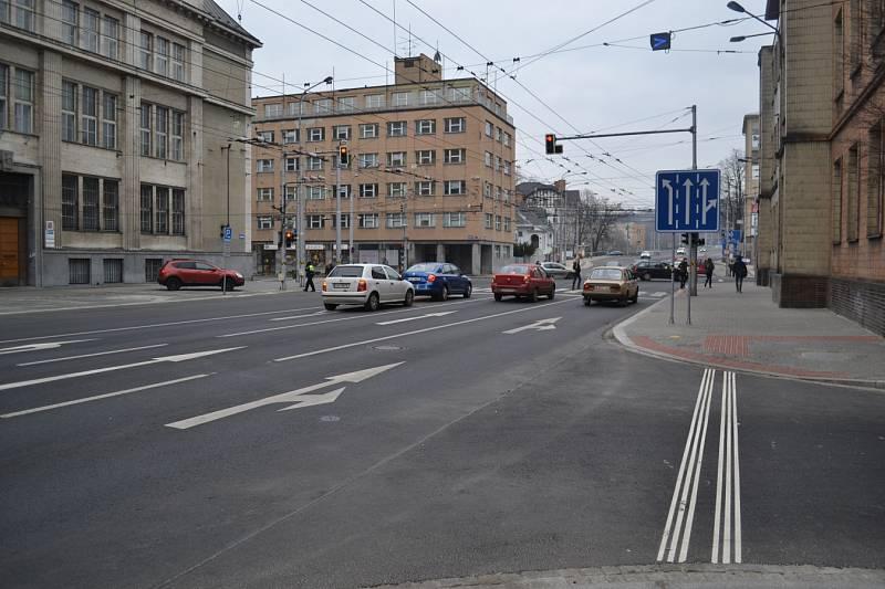 Křižovatka Sokolské třídy s Českobratrskou ulicí v Ostravě.