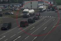 Cyklista v Ostravě přinutil zastavit kamion.