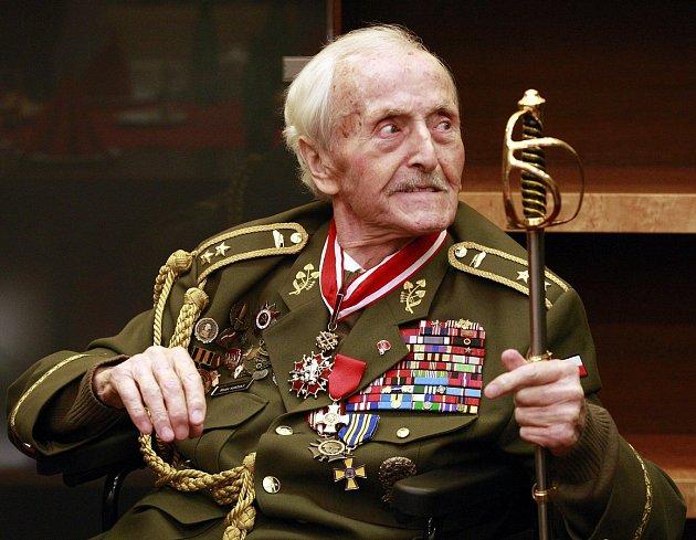 Generál ve výslužbě Mikuláš Končický již oslavil devadesátiny. Nositel Řádu Bílého lva a držitel tří Československých válečných křížů 1939 se narodil 1. ledna 1925 na Volyni.