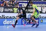 Superfinále play off Tipsport superligy - Technology florbal Mladá Boleslav - 1. SC TEMPISH Vítkovice, 14. dubna 2019 v Ostravě. Na snímku (zleva) Pluhař Josef, Rýpar Josef.