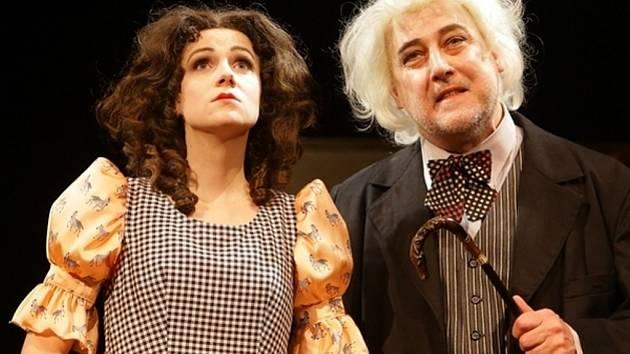 PETRA LORENCOVÁ (Anežka) a Jan Fišar (Arnolf) ve Škole pro ženy.