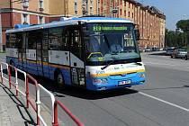 Autobus poháněný výhradně elektřinou vyjel v pondělí na svoji první jízdu Ostravou s cestujícími.