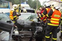 V pátek 28. června odpoledne zasahovaly hasiči u těžké dopravní nehody autobusu městské hromadné dopravy a osobní vozu na ulici 1. května v Polance nad Odrou.