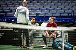 Karolína Plíšková a její trenérka Conchita Martínezová a Petr Pála na tréninku před utkáním 1. kola Světové skupiny Fed Cupu proti Rumunsku, 6. února 2019 v Ostravě.