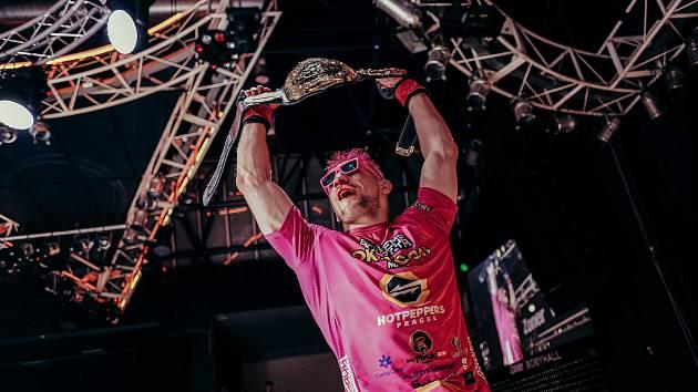 Oktagon 24, Brno, MMA, 29. května. Šampion David Kozma. Foto: Oktagon MMA