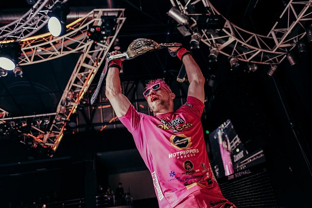 Oktagon 24, Brno, MMA, 29.května. Šampion David Kozma. Foto: Oktagon MMA