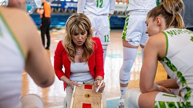 Trenérka basketbalistek SBŠ Ostrava Iveta Rašková je spokojená s novými posilami a průběhem přípravy na ligu.