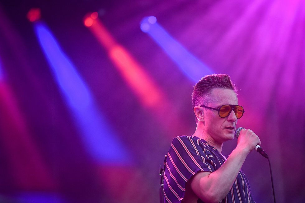 Hudební festival Colours of Ostrava 2018 v Dolní oblasti Vítkovice, 21. července 2018 v Ostravě. Na snímku je zpěvák Daníel Ágúst Haraldsson z islandské skupiny GusGus.