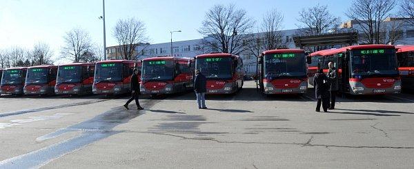 Veolia Transport Morava zařadil do provozu čtrnáct nových autobusů značky SOR, třetí a závěrečnou dodávku vrámci projektu Renovace vozového parku pro příměstskou hromadnou dopravu.