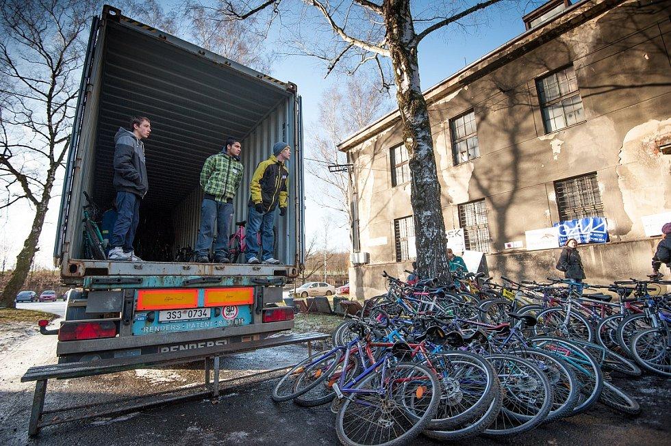 Akce Kola pro Afriku, projekt, který vznikl v roce 2012, se dnes koná již v celém Česku. Snímek z Ostravy.