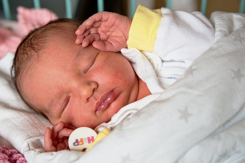 Klaudie Jurygáčková z Karviné, narozena 13. dubna 2021 v Karviné, míra 51 cm, váha 3960 g. Foto: Marek Běhan