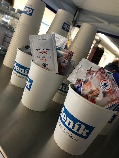 Deník přemístil redakci do své zóny na Olympijském festivalu. Přijďte na kávu!