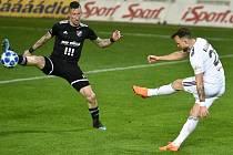 Utkání 26. kola první fotbalové ligy: MFK Karviná - Baník Ostrava, 29. března 2019 v Karviné. Na snímku (zleva) Jiří Fleišman a Lukáš Budínský.