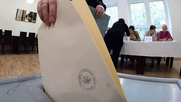 Volby 2016 v Ostravě, první volební den - pátek 7. října.