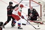 Mistrovství světa hokejistů do 20 let, finále: Rusko - Kanada, 5. ledna 2020 v Ostravě. Na snímku (zleva) Ty Smith, Yegor Sokolov a brankář Kanady Joel Hofer.