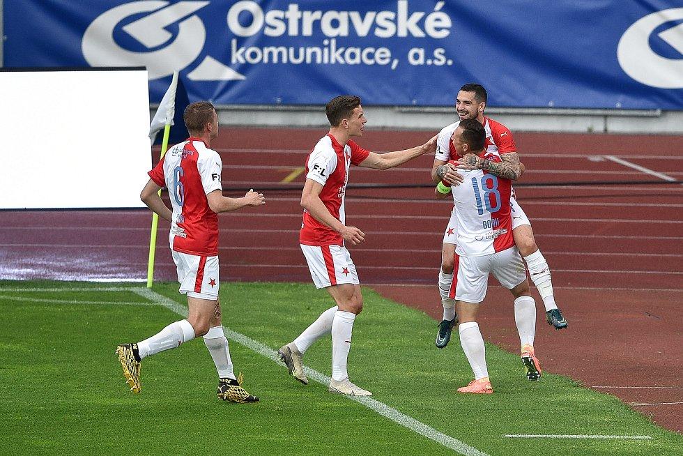 Utkání 29. kola první fotbalové ligy: FC Baník Ostrava - SK Slavia Praha, 10. června 2020 v Ostravě. Vpravo Claidiu Stanciu Nicolae ze Slavie a Jan Bořil ze Slavie.