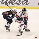 Utkání 30. kola hokejové extraligy: HC Vítkovice Ridera - HC Škoda Plzeň, 28. prosince 2018 v Ostravě. Na snímku (zleva) Jan Kovář, Jan Schleiss.