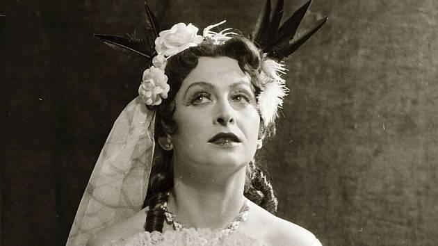 Věra Heroldová jako Violetta v Traviatě v roce 1958.