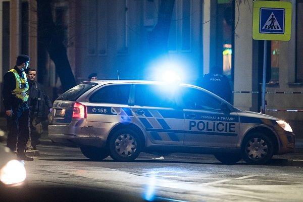 Policisté při zajišťování stop vostravské Muglinovské ulici.