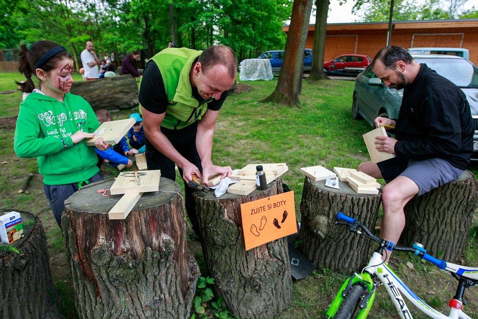 Lesní technika v akci, koňské taxi, práce s motorovou pilou...Ostravské městské lesy připravily o víkendu pestrý program pro děti.