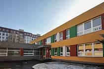 MŠ Za Školou v Ostravě-Zábřehu otevře od září třídu pro 15 dětí od dvou let. Pleny ani dudlík by neměly být překážkou v přijetí dítěte.