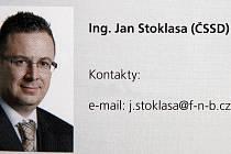 V oficiálním bulletinu krajského úřadu z druhé poloviny roku 2009, kde jsou představeni všichni členové rady a zastupitelstva, je u Jana Stoklasy uvedena e-mailová adresa j.stoklasa@f-n-b.cz, tedy adresa na firmu, která je nyní v konkurzu.