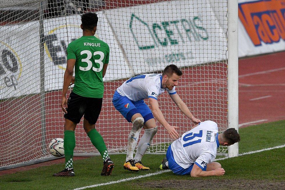 Utkání 23. kola první fotbalové ligy: FC Baník Ostrava – 1. FK Příbram, 13. března 2021 v Ostravě. (zleva) Jan Juroška z Ostravy a Ondřej Šašinka z Ostravy.