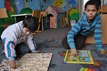 Salesiánské středisko volného času Don Bosco v Ostravě začalo jako jedna z prvních organizací po roce 1989 pracovat s dětmi a mládeží rómského etnika převážně z Vítkovic, Moravské Ostravy a Přívozu a Mariánských Hor.