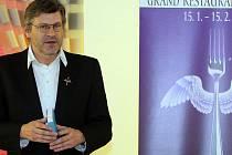 Zakladatelem Grand Restaurant Festivalu, je Pavel Maurer, známý především jako vydavatel každoročního žebříčku nejlepších českých restaurací.