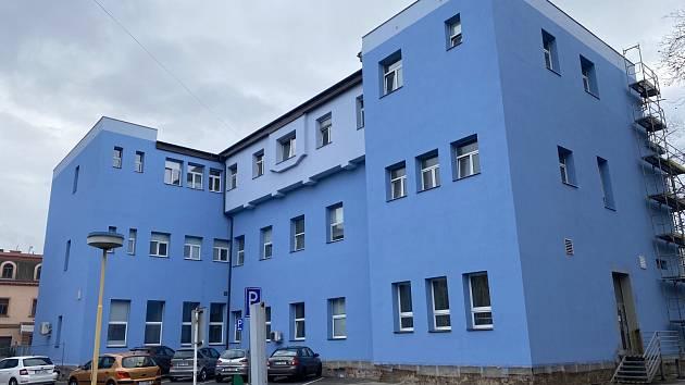 Po zimní pauze pokračuje modernizace nemocnice AGEL Ostrava-Vítkovice. Březen 2021.