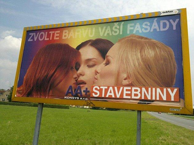 Jeden ze tří ostravských billboardů zaslaných do soutěže o Sexistické prasátečko.