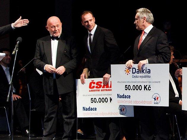 Generální ředitel ČSAD Logistik Ostrava Tomáš Vrátný (uprostřed).