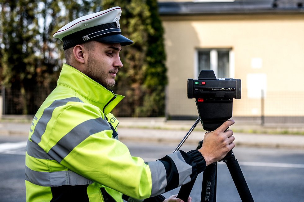 Policejní akce Speed marathon (měření rychlosti) v městské části Vřesina, 3. dubna 2019 v Ostravě.