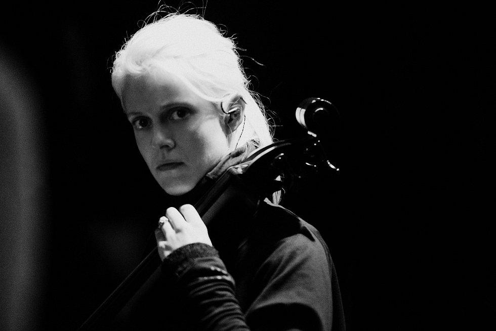 Violoncellistka Terezie Kovalová.